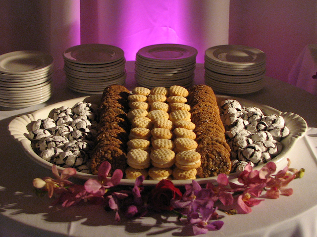 What a wonderful idea Anjalie wedding 16 I love the idea of having a table